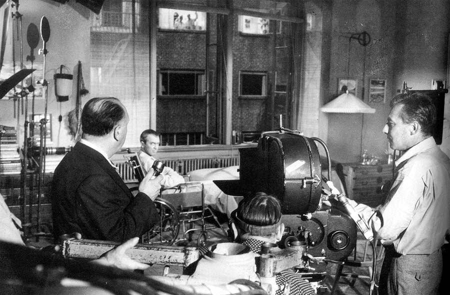 20 interesting behind the scenes photos from alfred for 1954 rear window