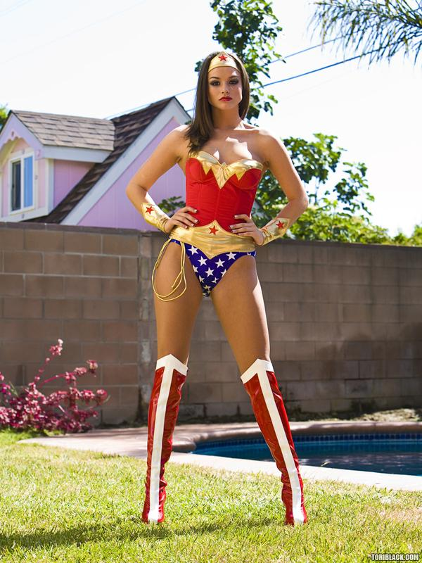 Which of these Wonder-woman is the Best Looking? ~ LoL City