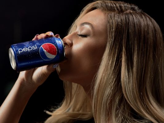 The Best Reactions to Kendall Jenner's Pepsi Ad - Twitter ...