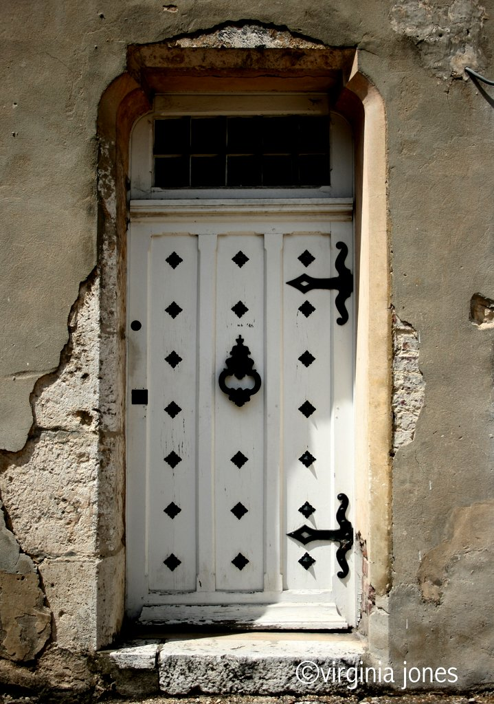 Paris through my lens la porte blanche - La balnche porte ...