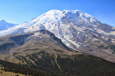 View of Burroughs Mountain and Mount Rainier from Fremont Lookout