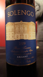 Label photo of 2009 Argiano Solengo from Tuscany, Italy