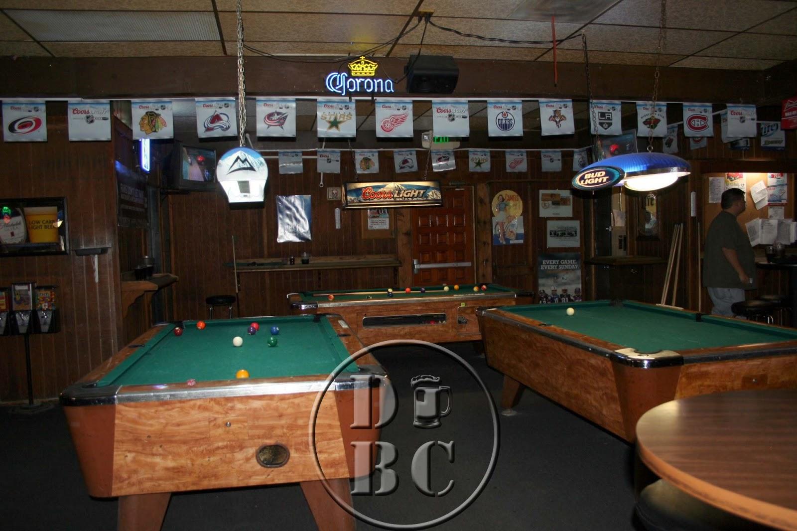 DiveBar Culture Lucky Johns Fullerton CA - Fullerton pool table