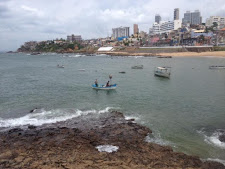 Alguém avise ao pessoal da prefeitura que no Rio Vermelho no dia 2 de fevereiro não tem lavagem