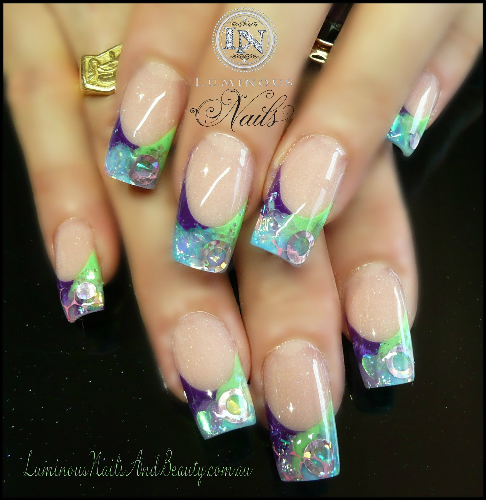 Stiletto leopard print nail designs