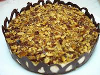 http://www.recetaspasoapaso.com/2010/06/tarta-helada-de-chocolate.html