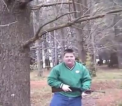 O que acontece quando um rapaz decide caçar a sua própria comida