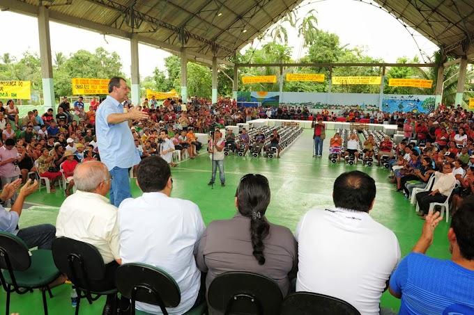 Governador Omar Aziz entrega implementos agrícolas e anuncia pacote de R$ 22 milhões em São Sebastião de Uatumã