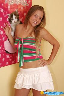hot chicks - rs-Hello_Kitty_dawsonmiller_hello_kitty_003-772411.jpg
