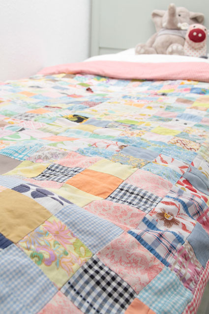 El beb entre flores colchas de patchwork infantiles - Colchas patchwork infantiles ...