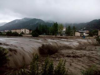 Banjir Bandang Dahsyat Menerjang Iran, Ini Videonya