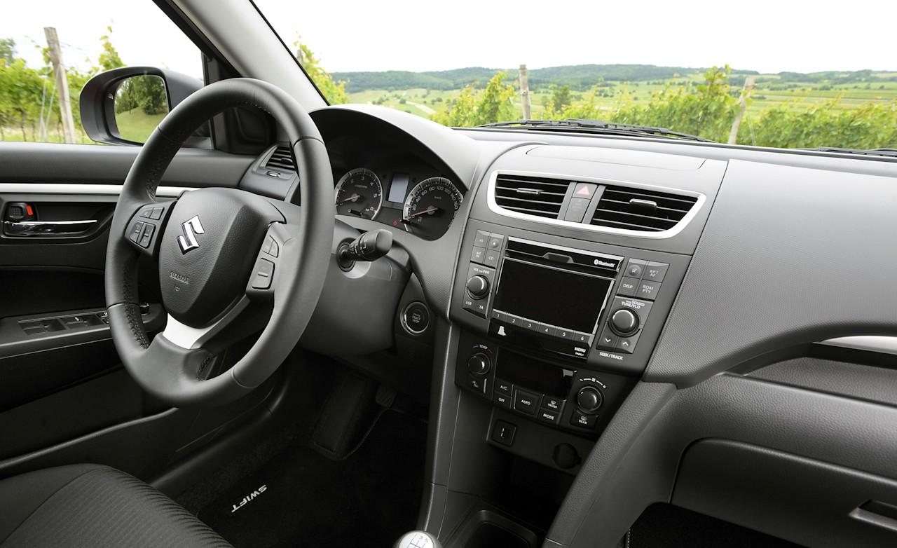 http://4.bp.blogspot.com/-O362Ubalfu0/TbRd3gwLI0I/AAAAAAAAHKI/XDh1vuCMZac/s1600/2011-Suzuki-Swift-Interior.jpg