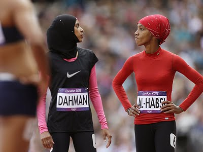 Muslim olympic girls, london, 2012, Yemen's Fatima Sulaiman Dahman and Oman's Shinoona Salah Al-Habsi