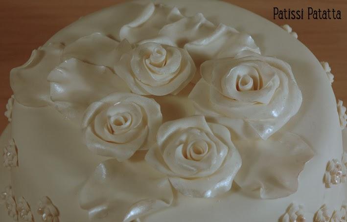 cake design, gâteau 3D, pâte à sucre, gumpaste, fondant, white and silver cake, flowers cakes