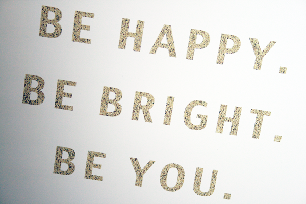 Love this printable. It's on ETSY for $5. The glitter prints so pretty! www.entirelyeventfulday.com #printable #happy #goldglitter
