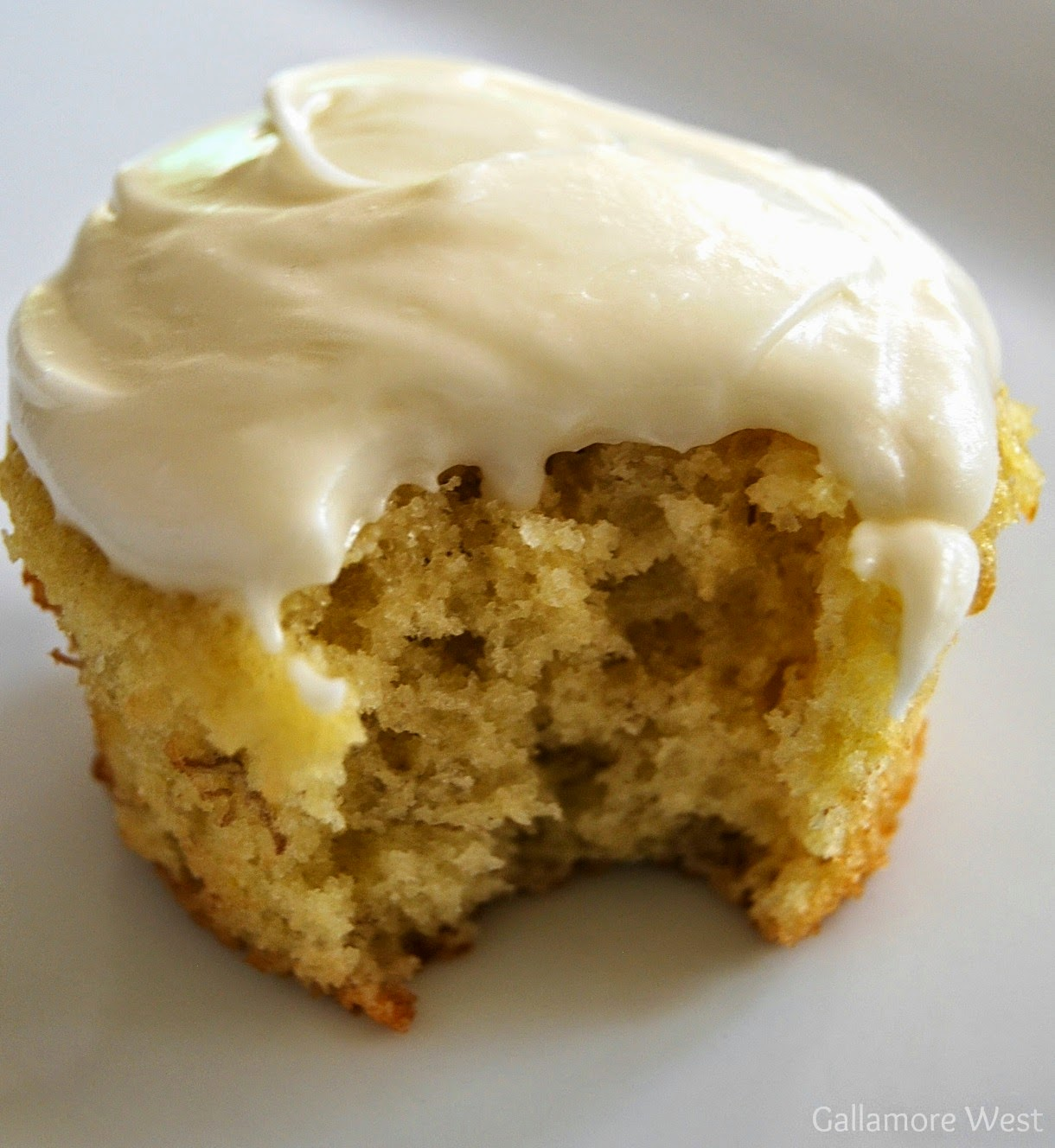 Frosting Is Soft Set And Works Best When Spread On Cupcakes With A Knife No Fancy Piping Skills Needed For This Recipe