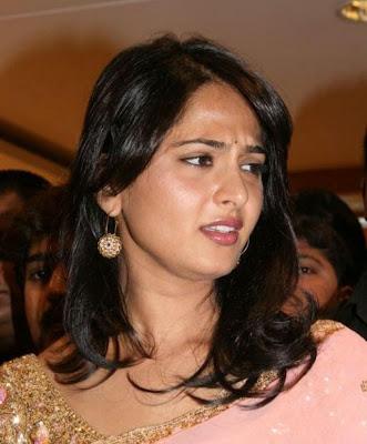 Anushka Inaugurates MBS Jewellery Showroom