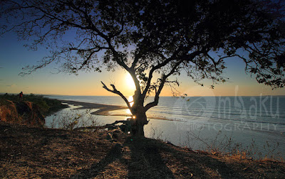 Senja di Pantai Panmuti