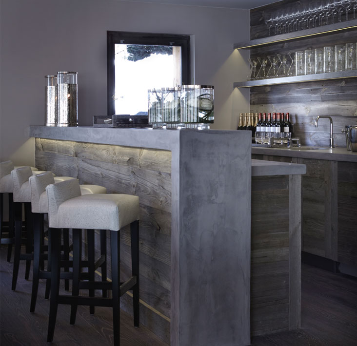 We Love That You Can Notch Up The Glamor Factor With A Home Bar In  Comparison To Say Your Kitchen. We Love This Beautiful Distressed Mirror  Splash Back In ...