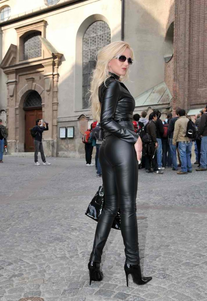 Heike leather pants