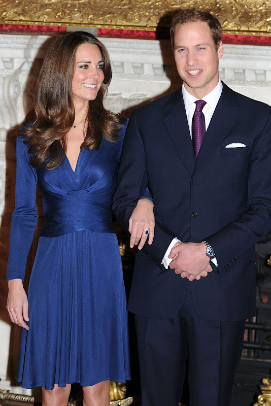 Kate Middleton wearing Issa London dress for engagement photo