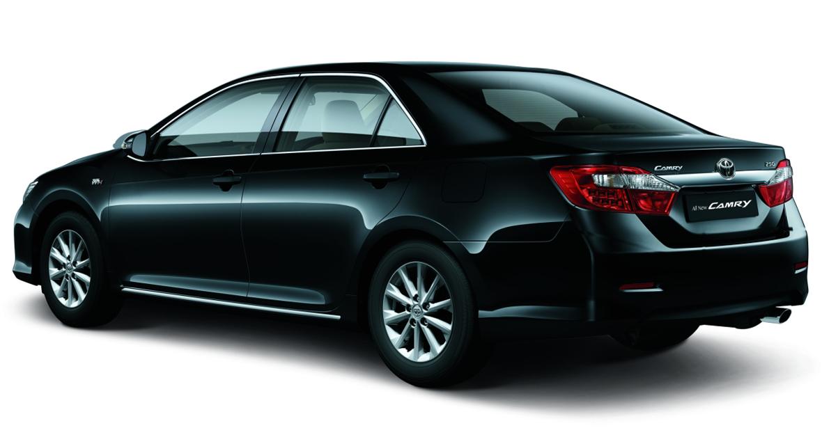 mobil sedan hybrid