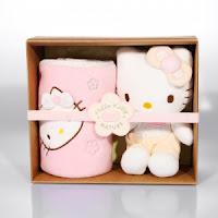 Coffrets bébé Hello Kitty pour 15€ (+fdp) au lieu de 49€83 ! bon plan idée cadeau naissance promo hello Kitty 2012 bon plan hello kitty bébé