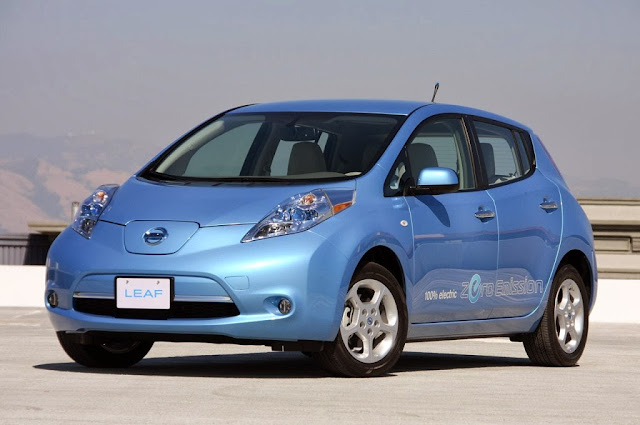 Nissan Leaf S Car Wallpaper