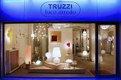 "L'illuminazione di ""A Casa Dei Miei "" è curata da : Truzzi Luce  Arredo"