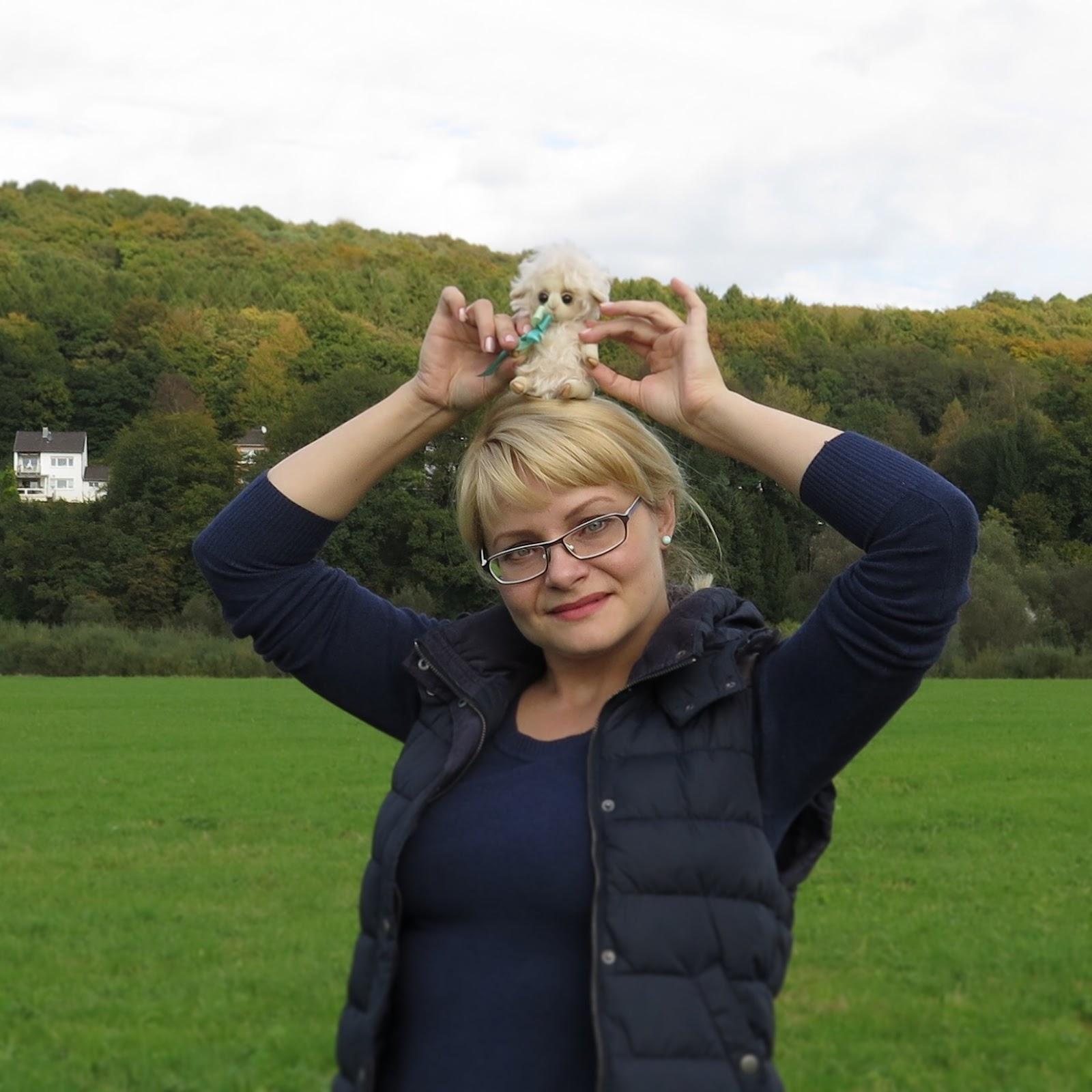 Лена Немцева с овечкой от Анжелики Сидоренко