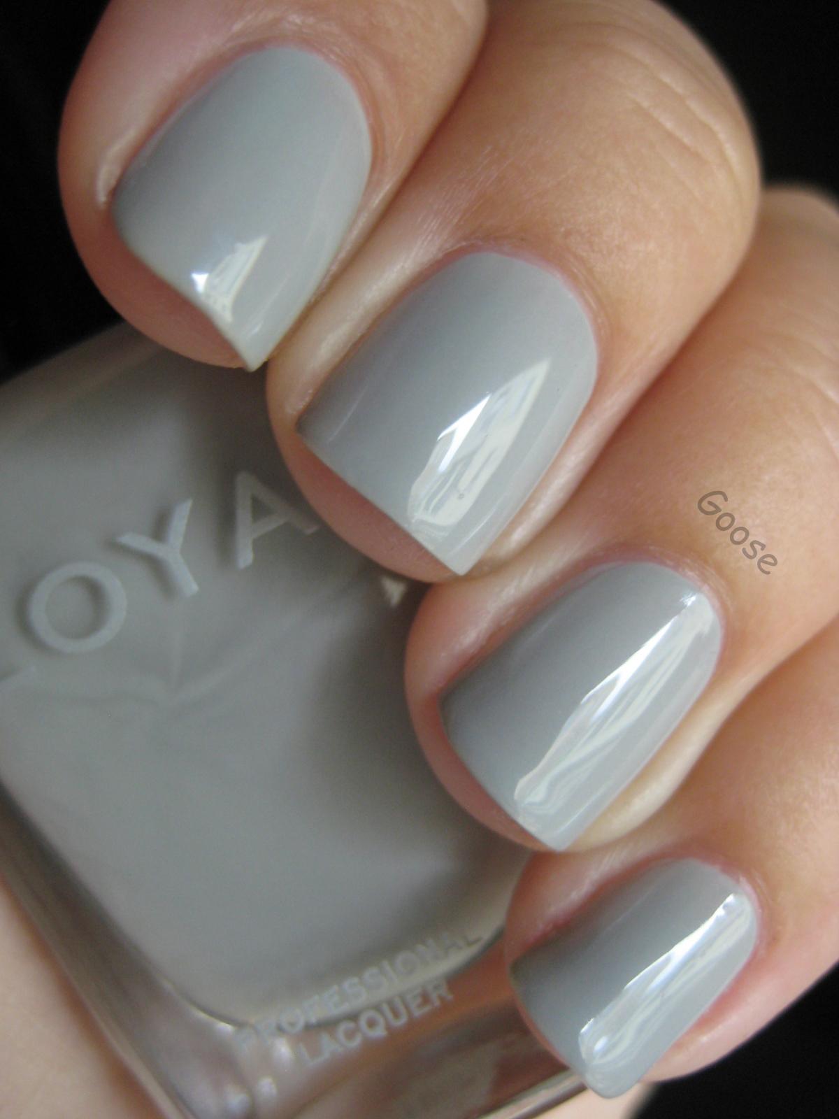 Goose\'s Glitter: Perfect Rainy-Day Grey: Zoya Dove