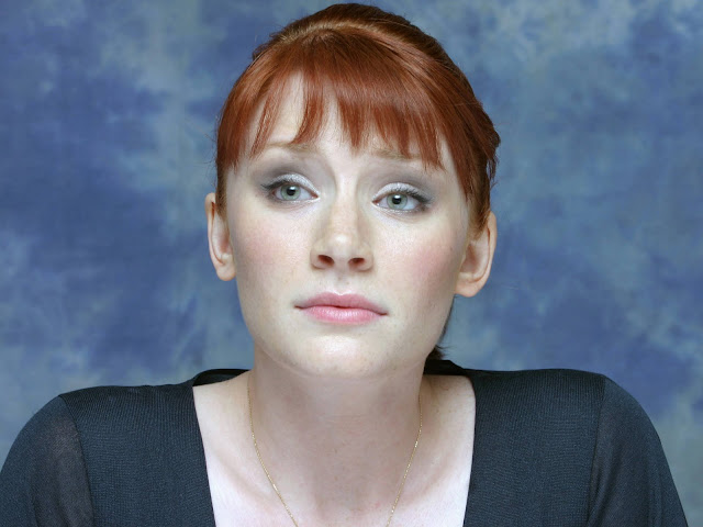 Hot Pictures of Bryce Dallas Howard