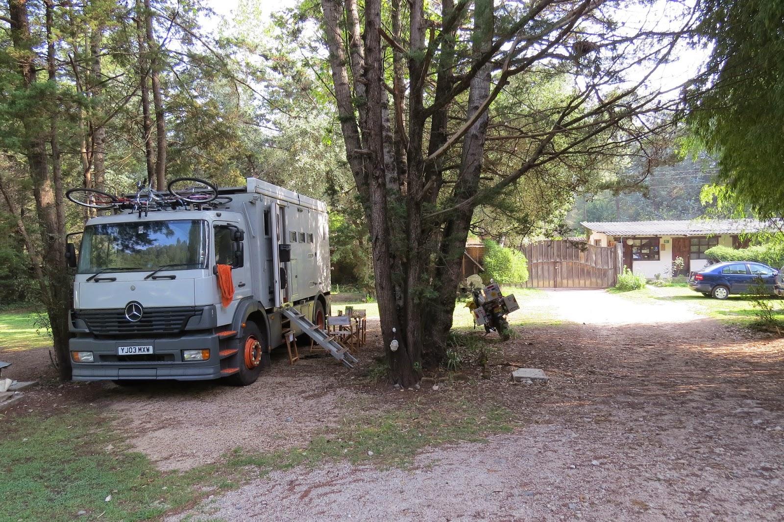 Jim the truck relacing in the shade at Camping Rancho San Nicolas in San Cristobal, Chiapas
