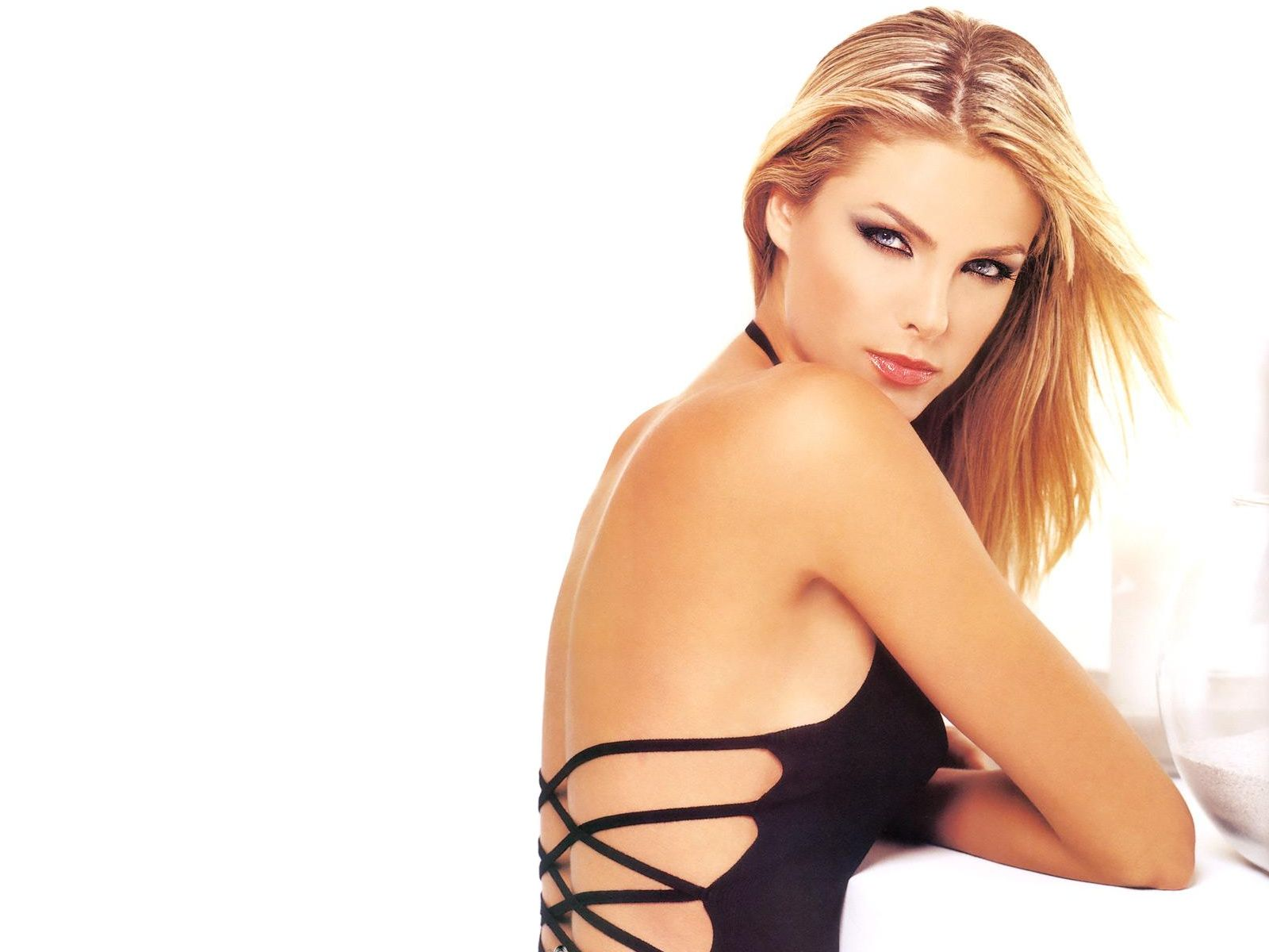Hot ana hickmann s wallpapers world amazing wallpapers hot actress