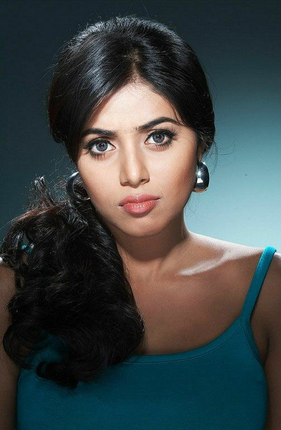 Poorna Spicy Photoshoot Face CLoseup in an unbuttoned Thin Shirt Sensational Spicy Poorna