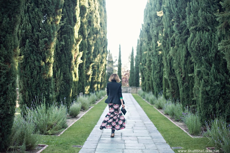 Floral Maxi dress, Date Night, Top blogger, Best fashion blog, top ten Fashion Bloggers, Black fashion blogger, Black blazer, maxi dress, Greystone Mansion, Taye Hansberry, Short Hair cut