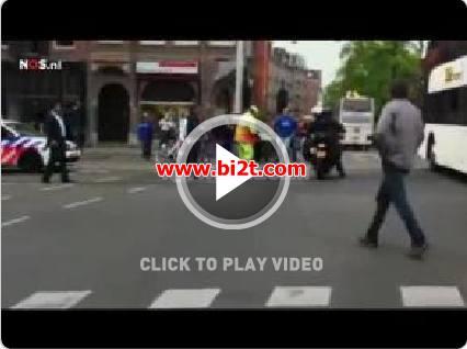 Download VIDEO Kiper Ajax Amsterdam Jatuhkan Trofi