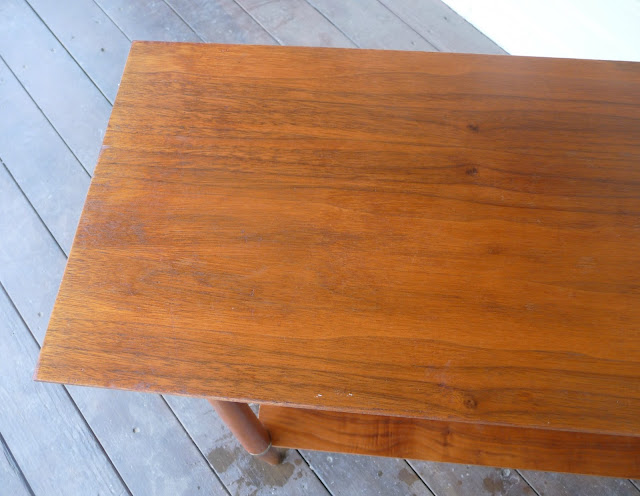 DIY fix for scratches in wood furniture