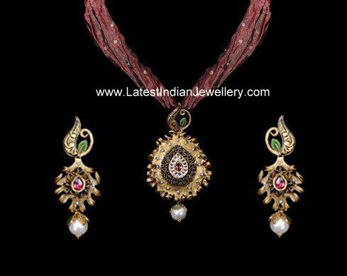 Antique Pendant Set with Fabric Chain