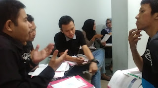 A Communicative Activity in a Conversation Class