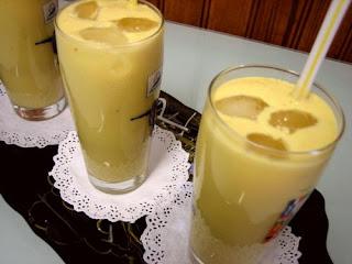 عصير المانجا بالقشدة الطرية والشرح بالصور التوضيحية