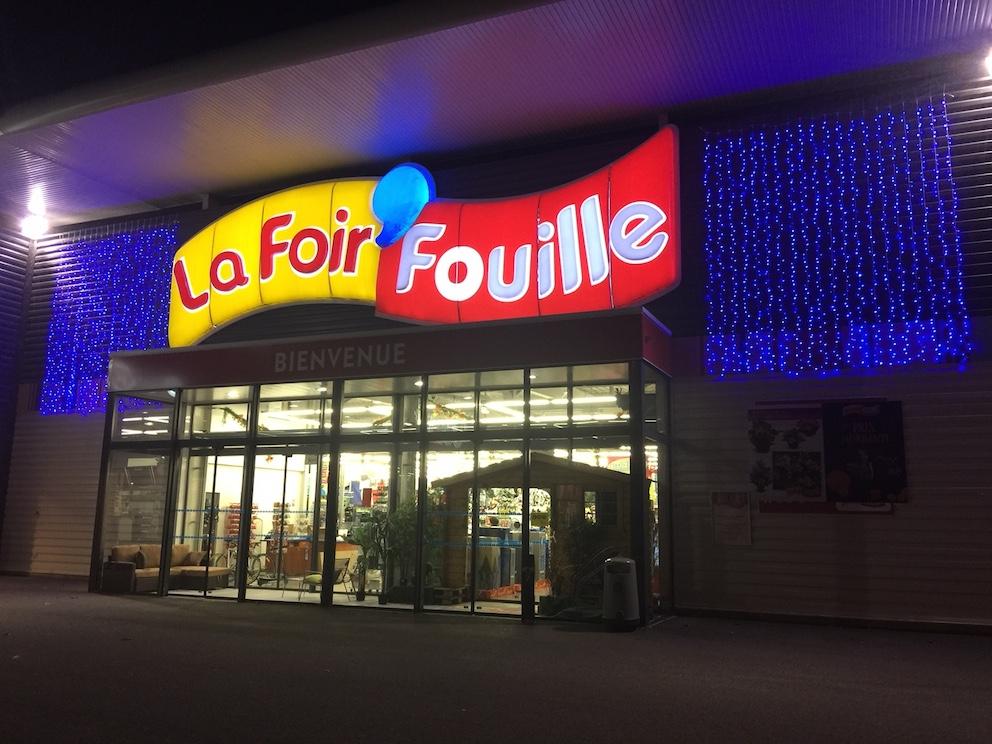 La dynamique peipinoise foir 39 fouille arrivage de d cos de no l - Tonnelle la foir fouille ...