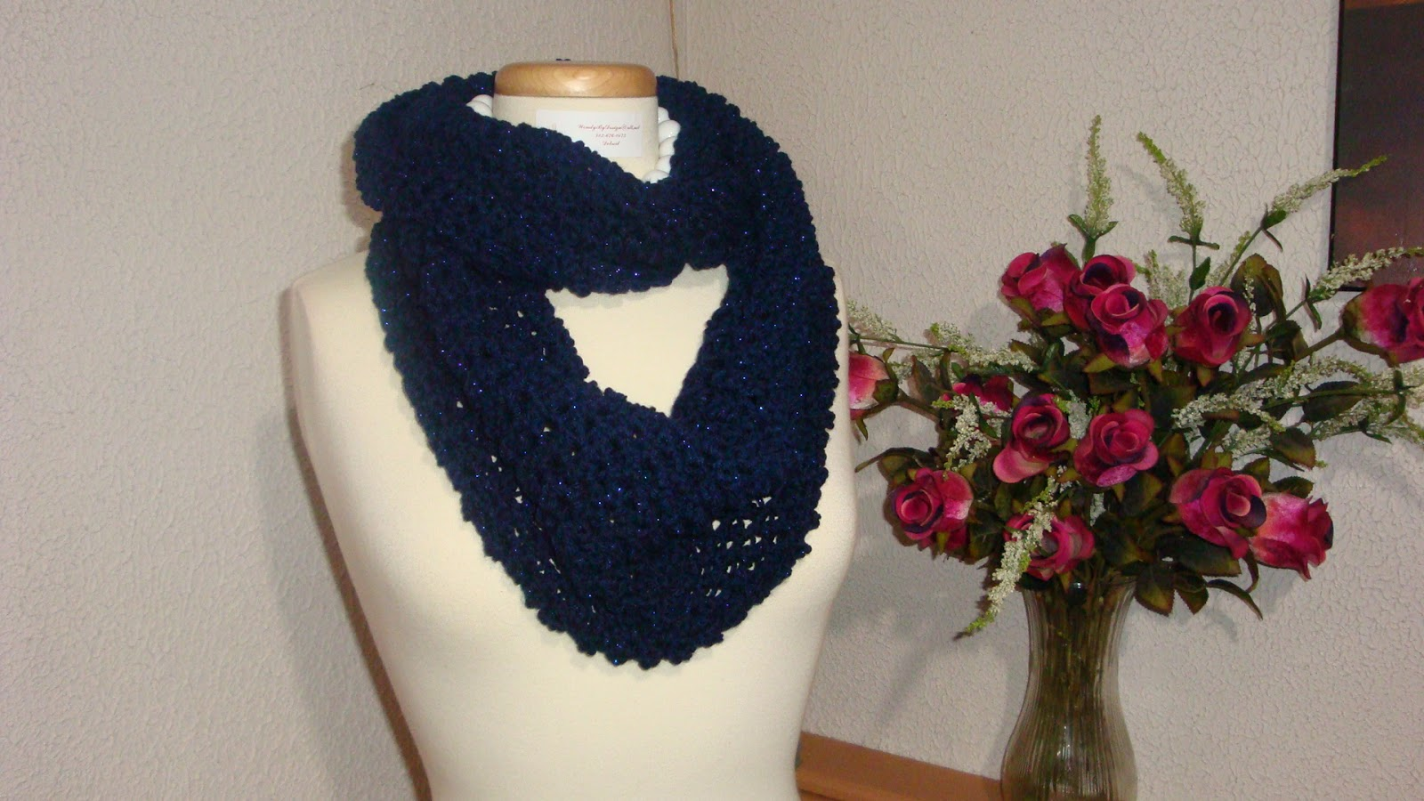 Crocheted Infinity Scarf  Link to video tutorial Infinity Scarf Video Tutorial