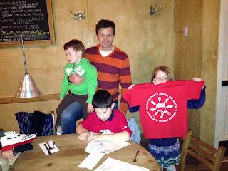 Przyjaciele z Polskiej Szkoły w Bridgeport z wizytą u Adasia. - foto: Alicja Dewera-Moczerniuk