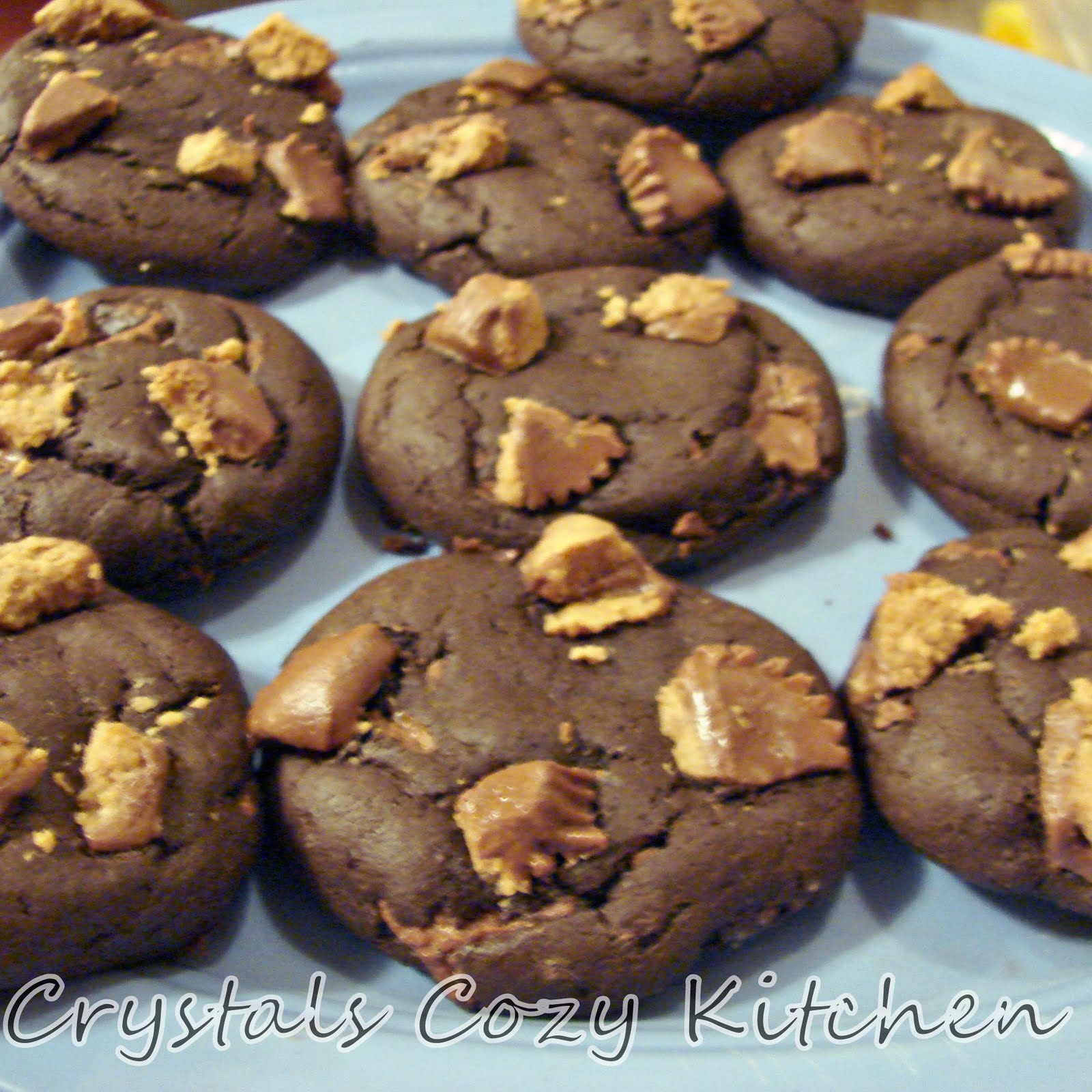 Crystal's Cozy Kitchen: Peanut Butter Cup Cookies