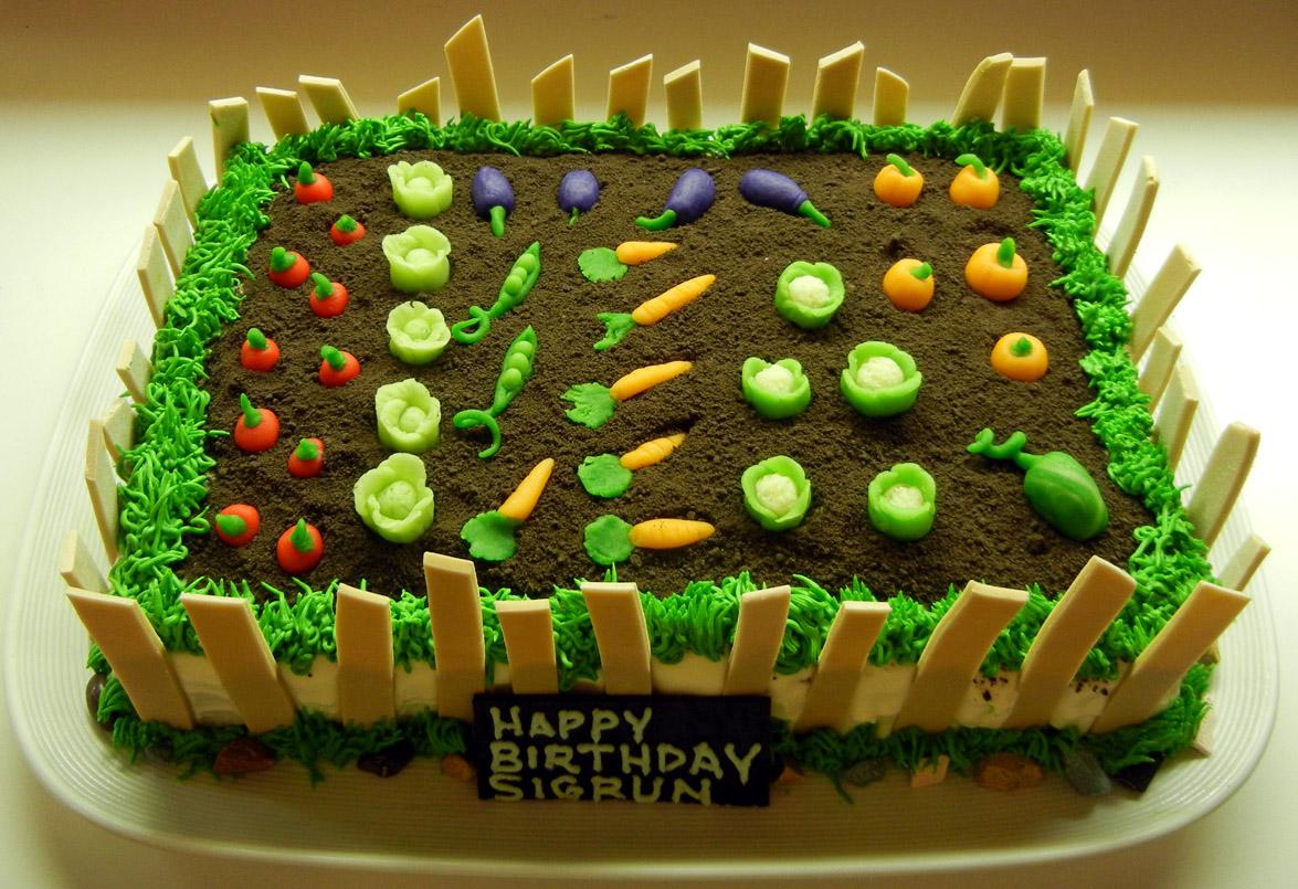 Ronna\'s Blog: Garden Cake
