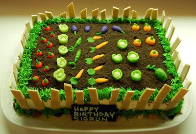 Ronna's Blog: Garden Cake