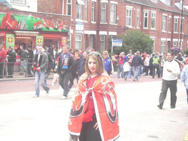 Amanda Spiteri from UK with Manchester United flag