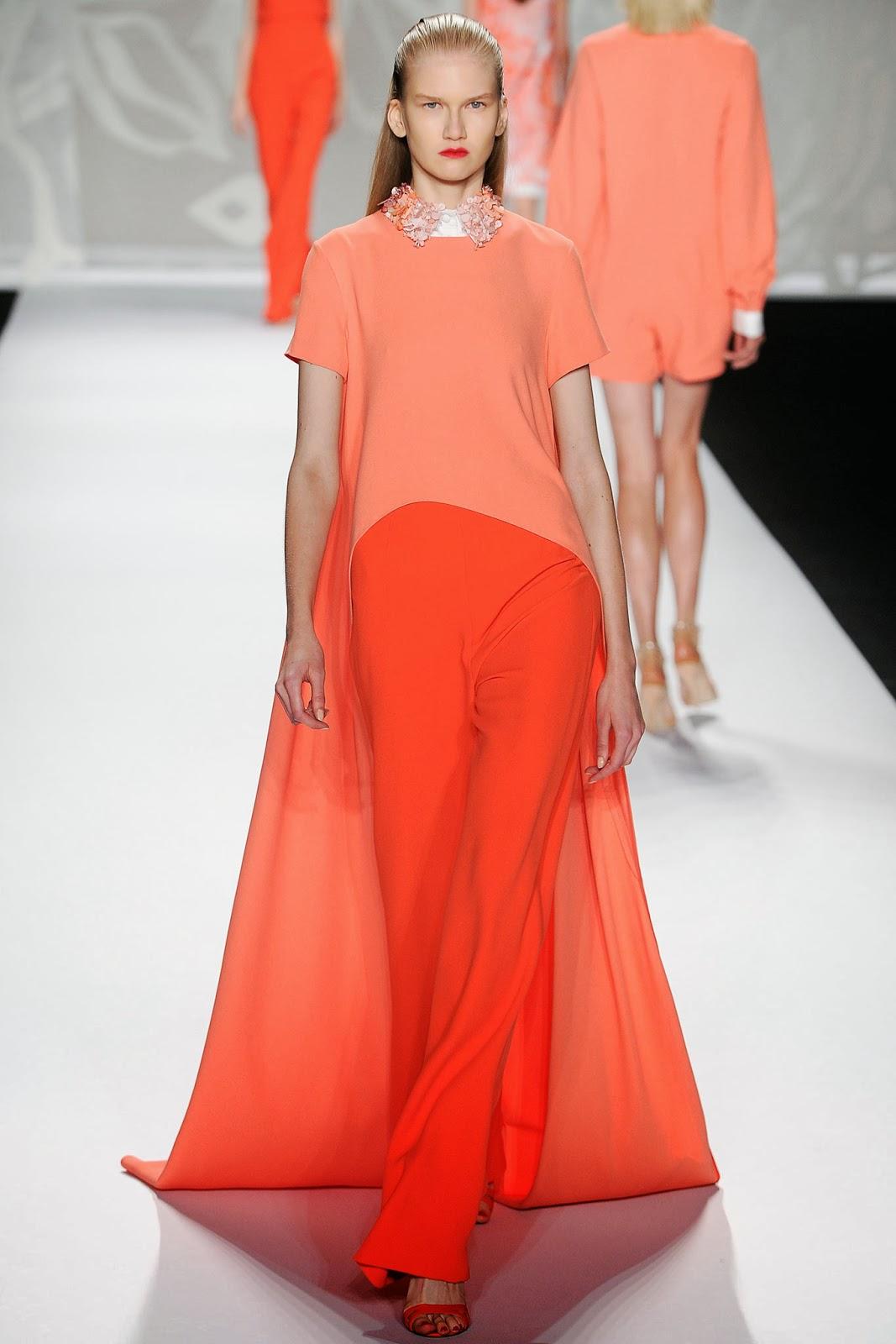 Monique Lhuillier, Monique Lhuillier New York Fashion Week, New York Fashion Week, Monique Lhuillier evening gown, Monique Lhuillier train