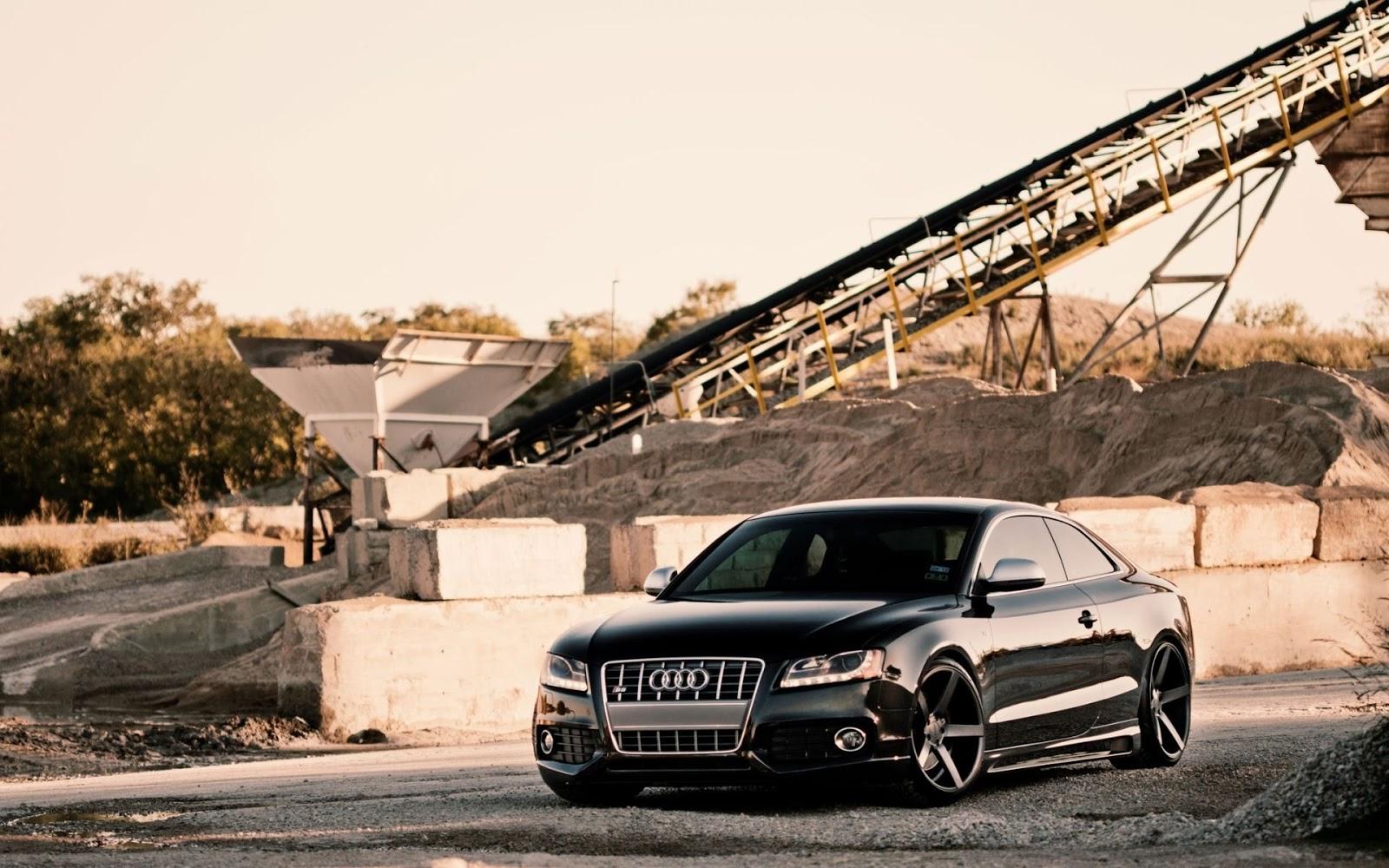 Audi Black S5